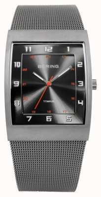 Bering Titânio masculino, mostrador quadrado, relógio de malha 11233-077